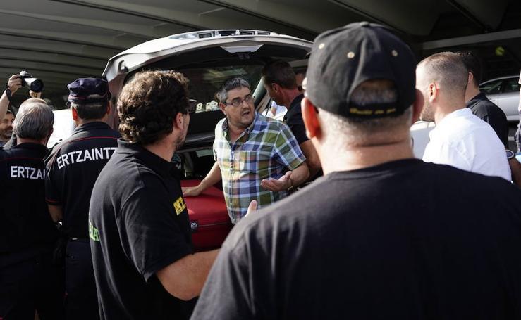 La guerra del taxi llega a Bizkaia, que vive una huelga de 48 horas