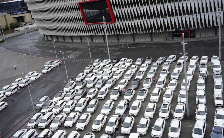 Tercer día de huelga de los taxistas vizcaínos