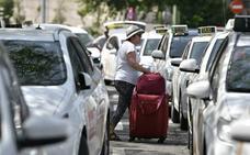 El taxi, dividido sobre si «confiar» en el Gobierno, avisa de que solo hay una «tregua» en su huelga
