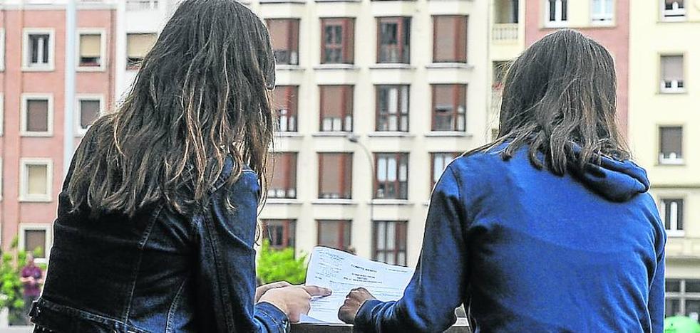 Una cuadrilla de vizcaínas denuncia la agresión de los dueños de una casa que alquilaron en Las Landas