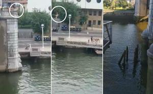 La Policía Local de Bilbao alerta del peligro de saltar a la ría desde los puentes