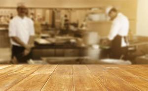 Precintan la cocina de un bar del Casco Medieval de Vitoria por «poner en riesgo» la salud de sus clientes