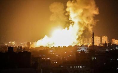 Tres muertos en Gaza en una violenta noche de lanzamiento de cohetes y bombardeos