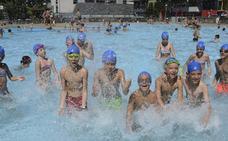 Los socorristas de las piscinas de Bilbao piden refuerzos por estar «desbordados»