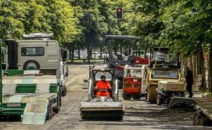 Arrancan las obras de refuerzo de firme y bacheo de una veintena de calles de Vitoria
