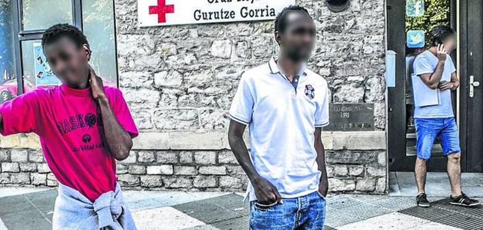 Localizan en Francia y sana a la inmigrante que desapareció de un piso de la Cruz Roja en Vitoria