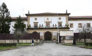 Un centenar de presos de Martutene piden por carta que no les lleven a la cárcel de Vitoria