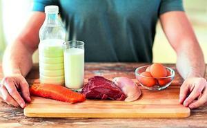 Los especialistas alertan de los graves riesgos que entraña consumir alimentos crudos