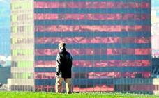 El rascacielos de la Gran Vía brillará otra vez con su tono rosa original