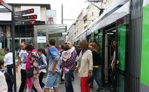 El tranvía bate su récord en La Blanca al lograr 147.000 usuarios