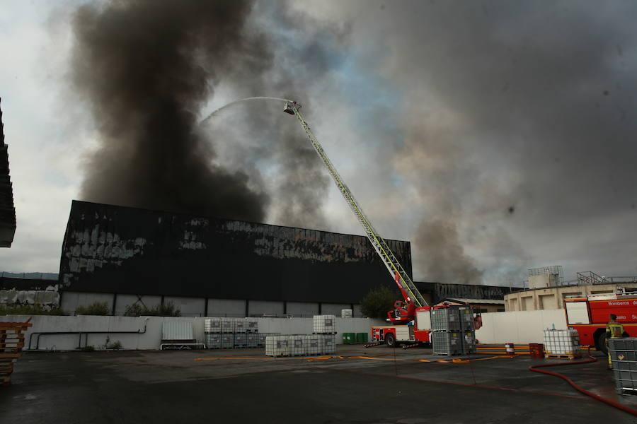 Incendio en la planta de la quesería Aldanondo en Salvatierra