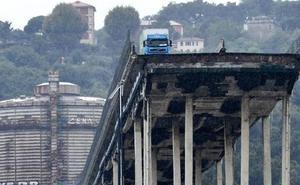 En «estado de shock» el camionero que se quedó a punto de caer al vacío