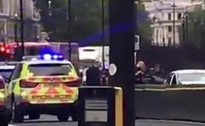 Un atropello deliberado frente al Parlamento británico provoca tres heridos