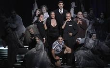 'La Familia Addams' abre las puertas de su mansión en el Palacio Euskalduna