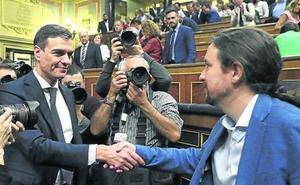 El Gobierno negociará con Podemos una subida de los impuestos a grandes empresas y banca