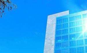 Alrededor de cien de personas trabajan en las 30 empresas de Izarra Centre