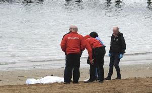 Rescatan el cadáver de una mujer en la playa de Las Arenas