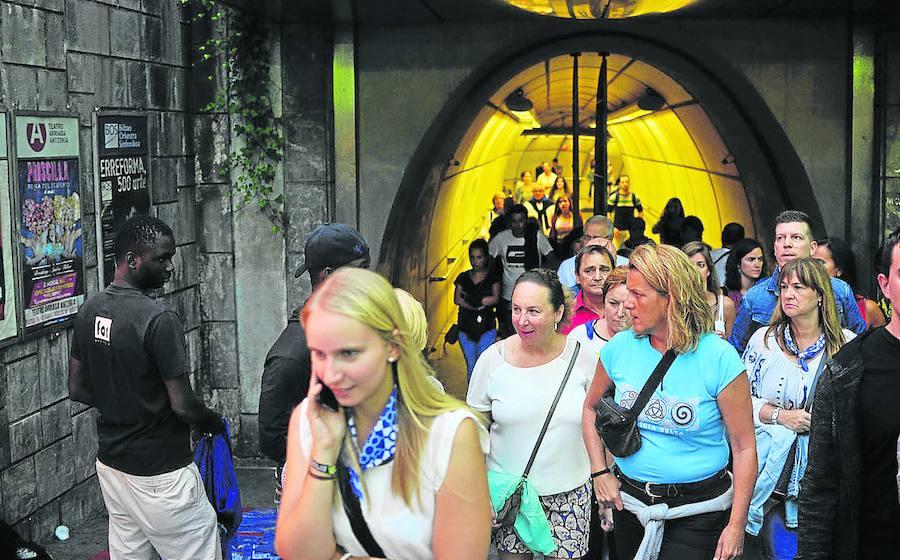 Metro, Bizkaibus y Euskotren... sin parar en Aste Nagusia: estos son los horarios