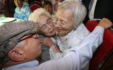 Familias coreanas separadas por la guerra se reúnen 65 años después en Corea del Norte