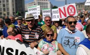 Miles de personas reclaman en plenas fiestas de Bilbao unas pensiones «dignas»
