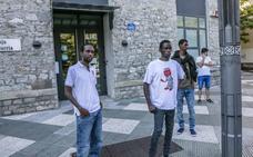 Las instituciones vascas han atendido a 2.507 migrantes desde el 28 de junio