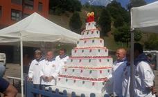 Una tarta de dos metros para celebrar el 40 cumpleaños de Marijaia
