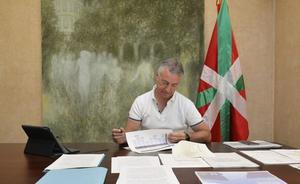El lehendakari se reincorpora a su despacho tras las vacaciones