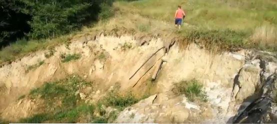 Larrabetzu denuncia un derrumbe de tierras en el antiguo campo de golf de Artxanda