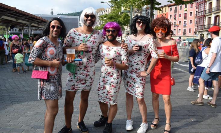 El travesti-poteo organizado por Pinpilinpauxa en Aste Nagusia 2018