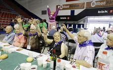 Más de 300 personas participan en los actos del 'Día de los Mayores' de Aste Nagusia