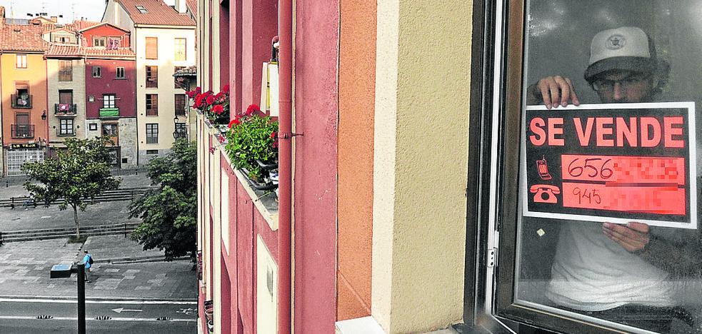 La antigüedad de los pisos en venta en Vitoria se eleva a los 40 años de media