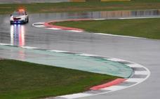 Silverstone es una piscina y las carreras corren peligro