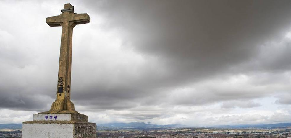Familiares de los impulsores de la cruz de Olárizu niegan que tenga cualquier vínculo político