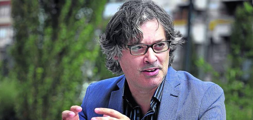 James Badcock: «La prensa española tiene más rigor que la británica»