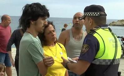 Un nuevo enfrentamiento por lazos obliga a la policía de Blanes a intervenir