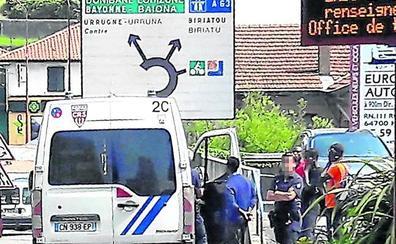 La devolución de migrantes a la Policía en la muga se ha cuadruplicado este verano