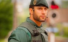 El desnudo de Jorge Pérez, el Guardia Civil que revolucionó las redes
