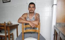 El preso 'resucitado' sale de prisión: «Alguien tiene que pagar por lo que pasó, darme por muerto no es normal»
