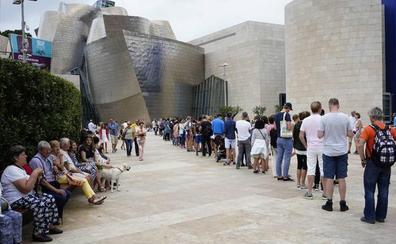 El Guggenheim logra su récord de verano con 445.000 personas