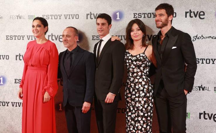 La alfombra naranja previa al estreno de la nueva temporada de la serie 'Estoy Vivo'