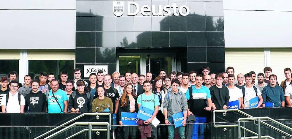 43 estudiantes estrenan el campus alavés de Deusto