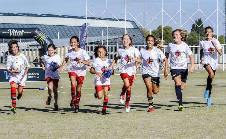 Fútbo, pelota y bádminton dar visibilidad al deporte femenino en Álava
