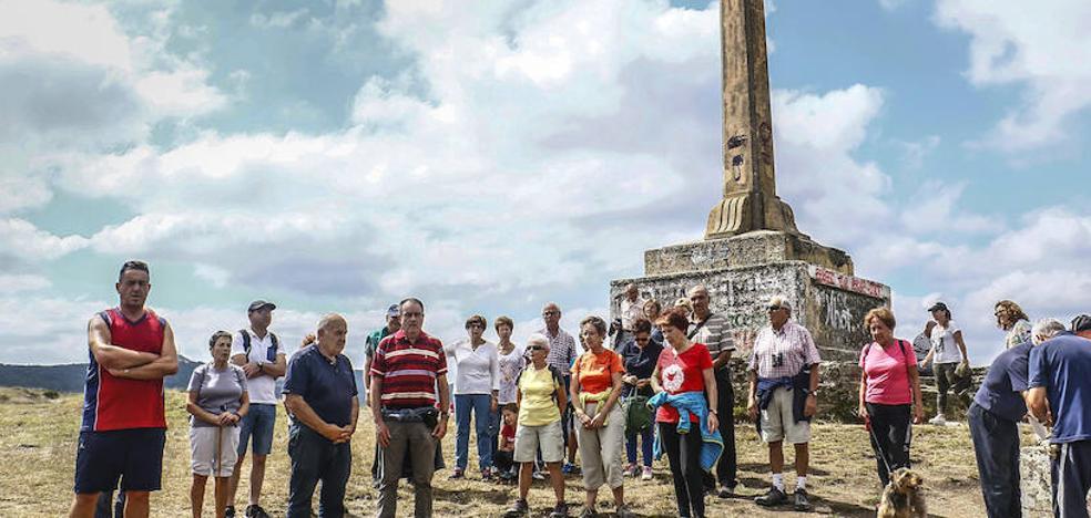 Mendiola insiste en retirar la cruz de Olárizu