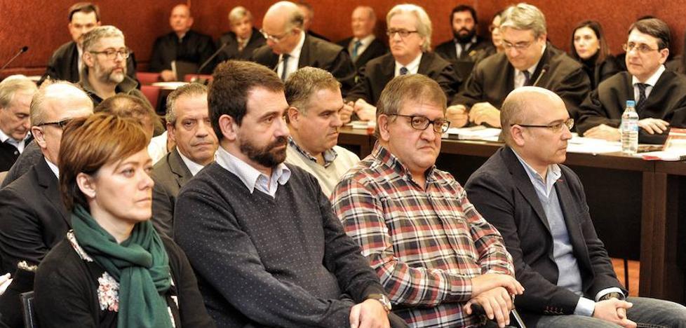 La oposición pide al PNV de Vitoria que suspenda el contrato para ampliar Miñano salpicado por el 'caso De Miguel'