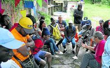Cruz Roja ha atendido a 5.450 migrantes este verano en Euskadi y prevé que «siga» el flujo