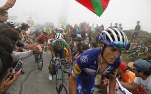 Valverde y Mas ponen al rojo la Vuelta en el monte Oiz