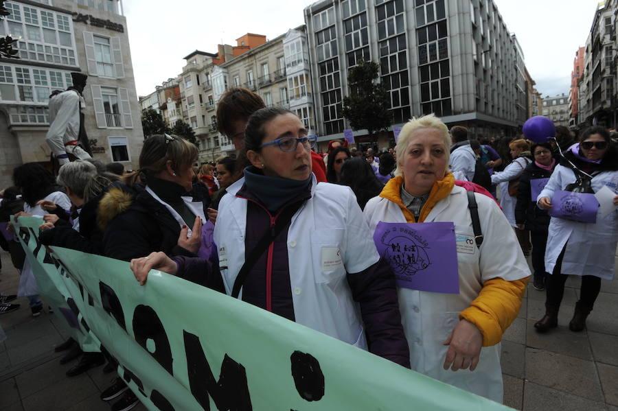 Las trabajadoras de ayuda a domicilio de Álava desconvocan la huelga que empezaba el lunes