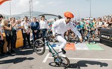 El 'dantzari' de la bici se defiende de las críticas