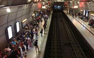 Mañana de retrasos en el metro por una avería en Etxebarri
