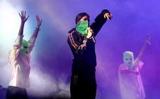 Pussy Riot eta Berri Txarrak hipodromora doaz